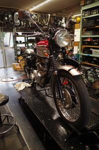 1962 TRIUMPH TR6 マグネトー交換 その2~BT-Hおまえもか!~ - Vintage motorcycle study
