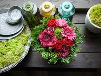 お誕生日のアレンジメント。「赤系」。2020/09/16。 - 札幌 花屋 meLL flowers