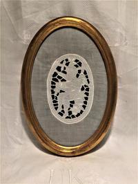 カットワークの天使入り木製金彩楕円額999 - スペイン・バルセロナ・アンティーク gyu's shop