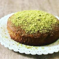 鮮やかな緑色!ピスタチオのトルタ - 幸せなシチリアの食卓、時々にゃんこ