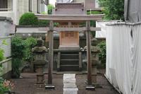 稲荷神社(高野台5) - Fire and forget