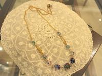 アイリスガラスのネックレス - AntiqueJewellery GoodWill