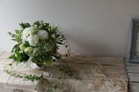 ホワイトグリーンで - mille fleur の花とおやつ