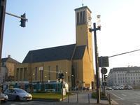 フランクフルトのマシュー教会 - レトロな建物を訪ねて