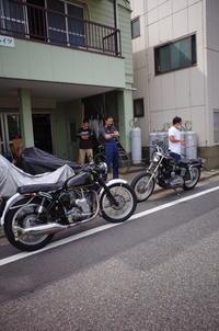 日曜日の授業風景~俺たちの白煙問題~ - Vintage motorcycle study