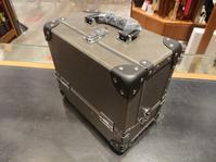 安達紙器シューケアボックス小さめサイズの収納力 - シューケアマイスター靴磨き工房 銀座三越店