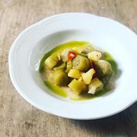 長ズッキーニと搾りたてのオリーブオイル - 幸せなシチリアの食卓、時々にゃんこ