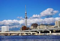 青空と雲と隅田川とスカイツリー - さんじゃらっと☆blog2