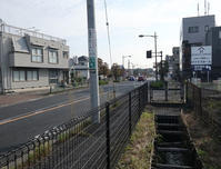 砂川用水(2)五日市街道沿い - ひのきよ