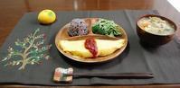 ホワイトソース入りオムレツと鶏の黒酢炒め - 60代からの女道