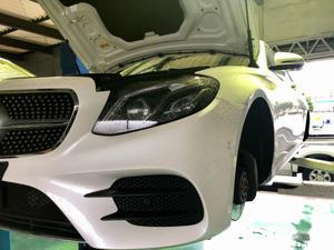 W213 E250 低ダストブレーキパッドVettoに交換 - THREE POINT ガレージニュース 【メルセデスベンツ専門店 カスタム&メンテナンス オフィシャルブログ】
