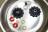 ロードバイクリアディレイラープーリー交換時期は2000KmロードバイクPROKU -   ロードバイクPROKU