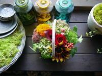 パン屋さんの移転オープンにアレンジメント。「秋っぽく」。2020/10/09。 - 札幌 花屋 meLL flowers
