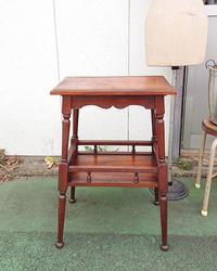 今日も変わらず茶色い家具 - CELESTE アクセサリーと古道具
