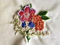 金木犀が薫る季節の花束 - Yumiko Sakura Embroidery