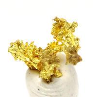 """山から産出される""""金""""自然金の原石 - 石の音、ときどき日常"""