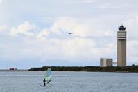 飛行機、ウィンドサーフィン、新管制塔 - 南の島の飛行機日記