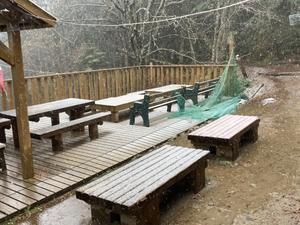 【追記あり】 初雪降りました - 小屋番の部屋