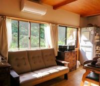 年代物のタンスと新しいカリモクのソファ。納品実例ソファWT36石川県金沢市I様 - CLIA クリア家具合同会社