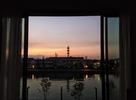 INTERCONTINENTAL Yokohama Pier8へ~ 夜明け ~ - いぬのおなら