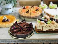 かぼちゃのタルトとキャラメルロール - 田園菓子のおくりもの工房 里桜庵