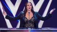 ステファニー・マクマホンがバースデイメッセージに感謝を述べる - WWE Live Headlines