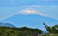笠をかぶってる 『自宅から90km先の富士』 - 写愛館