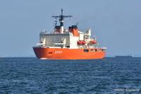 東京港に南極観測船しらせがやって来た - カメラと会いに行く