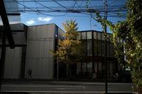 楽天地の近く、秋晴の日をElmar3.5cmで20201018 - Yoshi-A の写真の楽しみ