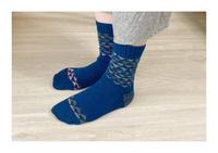 三角模様の靴下の着画 - 編みあみ*さんぽ道