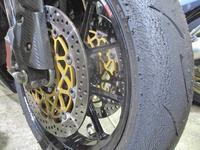 僕のGSX-R1000とK西サン号 701SMとT村サン号 デイトナ675Rのタイヤ交換・・・(笑) - バイクパーツ買取・販売&バイクバッテリーのフロントロウ!