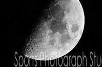 half moon - スポーツカメラマン国分智の散歩の途中で