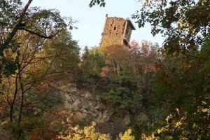 ヴェルナッツァーノの斜塔と今はなき集落の跡、トラジメーノ湖 - イタリア写真草子 Fotoblog da Perugia