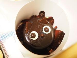 【ハロウィン】今週は、世の中黒猫だらけ! ~シャトレーゼの黒ねこケーキなどなど - SAMのLIFEキャンプブログ Doors , In & Out !