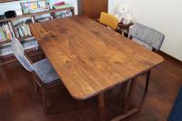 ウォールナットのテーブルとチェアのお届け - 福岡の無垢家具・オーダー家具・木の椅子専門店 ユーハウス・イングの日記