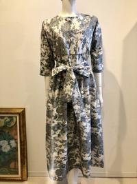 着物リメイク、白大島紬でタックロングワンピースの7分袖2点 - 着物ドレス・着物リメイク オーダーのポマル通信