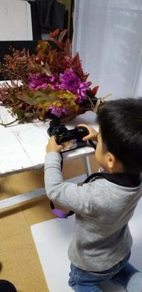YACHIは名(?)カメラマン(^^♪ - お花に囲まれて
