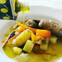 野菜とサルシッチャのスープと搾りたてオリーブオイル - 幸せなシチリアの食卓、時々にゃんこ