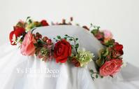 赤いお花をいれた花冠 - Ys Floral Deco Blog