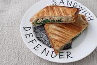 ホットサンドの朝 - launa パンとお菓子と日々のこと