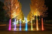 七色の噴水と銀杏並木 - 萩原義弘のすかぶら写真日記