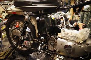 土曜日の授業風景~チョコレートが食べたい~ - Vintage motorcycle study