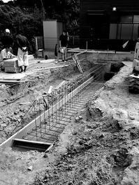 建物を一番深い部分で支える構造体/横須賀市鴨居T計画 - 横須賀から発信|小形 徹 * 小形 祐美子 プラス プロスペクトコッテージ 一級建築士事務所