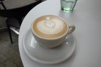 DIM LIGHT COFFEEさんでカフェラテ - *のんびりLife*