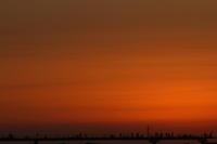 夕暮れ時 - 月の沙漠を