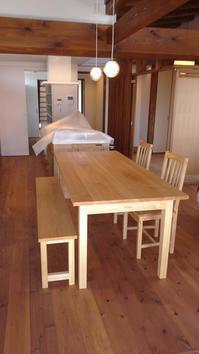 タモ ダイニングテーブル、椅子、ベンチ 納品 - KAKI CABINETMAKER