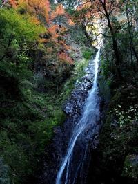 観音大滝高梁市成羽町 - 大山山麓、山、滝、鉄道風景