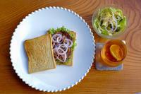牛スネ肉でローストビーフサンドイッチ - MOONBEAMS Ⅱ