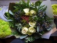 結婚記念日に花束。「白~グリーン系。出来るだけドライフラワーになりやすいもので」。2020/11/22。 - 札幌 花屋 meLL flowers