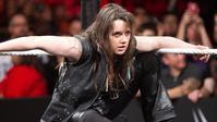 ニッキー・クロスがアレクサ・ブリスへ謝罪しようとしている - WWE Live Headlines